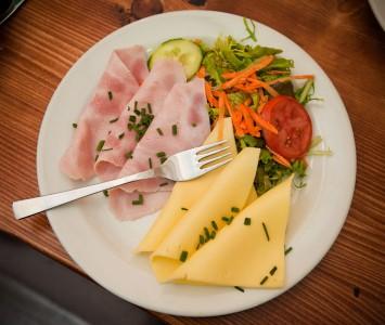 Frühstück in der Kantine in Wien