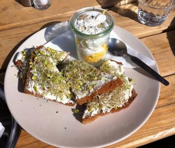 Frühstück im Zimmer 37 in Wien
