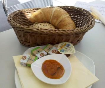 Frühstück im Caffé Intermezzo in Wien