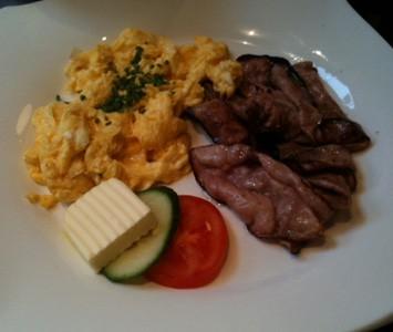Frühstück im Filmcafé in Wien
