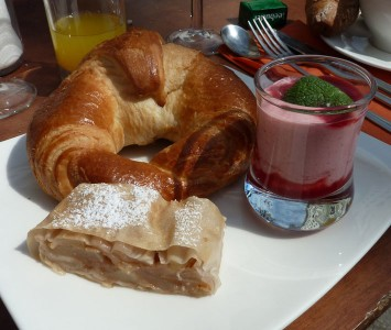 Frühstück im Café Wernbacher in Salzburg