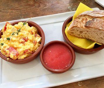 Frühstück im Toma Tu Tiempo in Wien