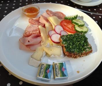 Frühstück im Café Goldegg
