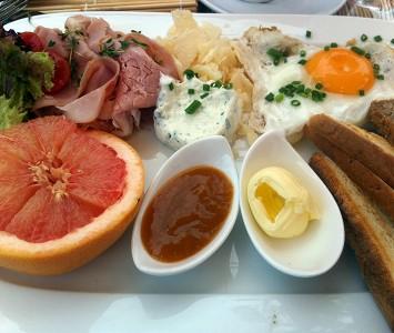 Café Leopold - Frühstücken in Wien - Museumsquartier