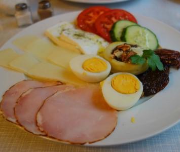Frühstück in der Roten Rübe in Wien