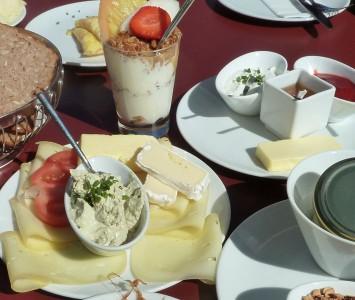 Frühstück in der Café Konditorie Moser in Seekirchen
