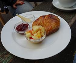 Strandbar Mitte - Frühstücken in Berlin