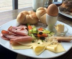 Frühstück im Salonschiff Fräulein Florentine in Linz