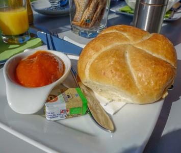 Frühstück im Pur Café in Landsee