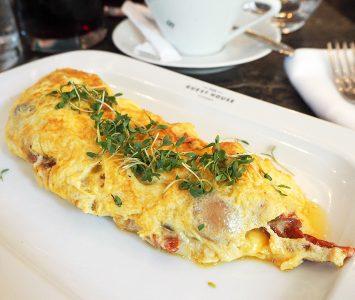 Frühstück im The Guesthouse in Wien