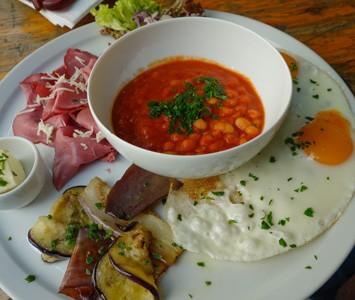 Frühstück im Ungar Grill in Wien