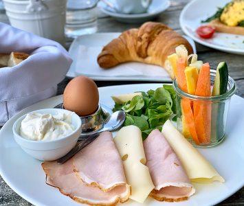 Frühstück im Café Francais im Wien