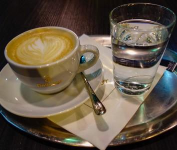 Frühstück im Dallmayr Café im Merkur Hoher Markt in Wien