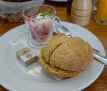 Frühstück in der Kaffeelimo in Mödling