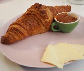 Frühstück im Café Caspar in Wien
