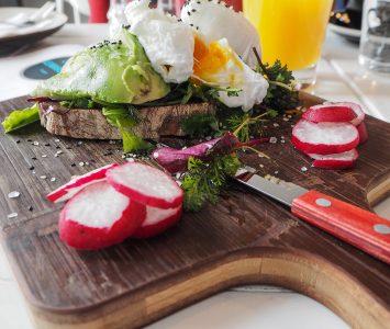 Frühstück im Café Le Marché in Wien
