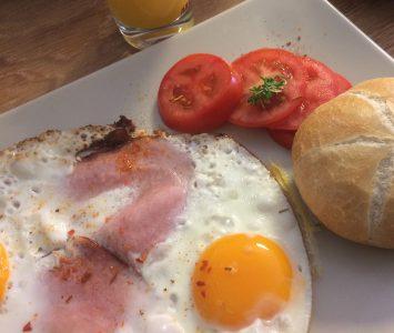 Frühstück im Geek's Café in Graz