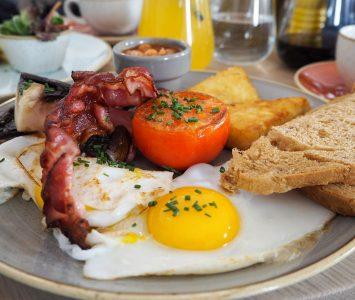 Frühstück im Café Telegraph in Wien