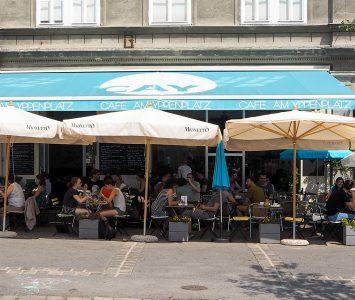 Frühstück im Café am Yppenplatz in Wien