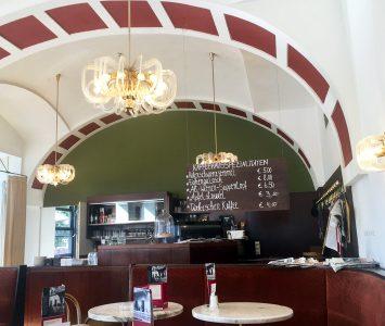 Frühstück im Kaffee Weitzer in Graz