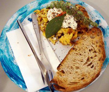 Frühstück im Haepinest in Innsbruck