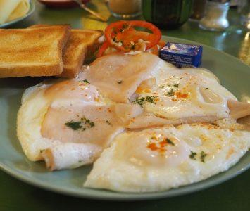 Frühstück in der Brasserie de la Marie in Wien