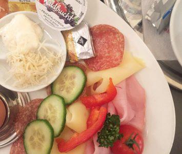 Frühstück im Cafe Kaiserfeld in Graz