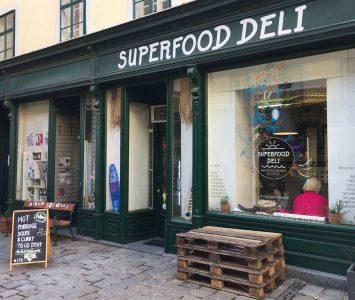 Frühstück im Superfood Deli in Wien