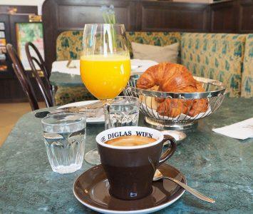 Frühstück im Café Weimar in Wien
