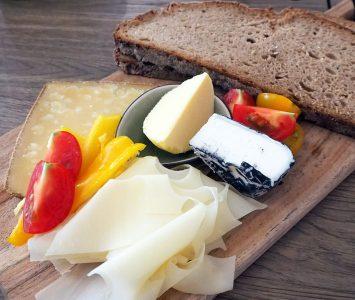 Frühstück in der Warenhandlung Wenighofer & Wanits