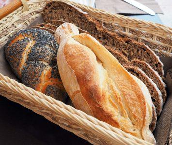 Frühstück in der Bäckerei Gragger am Vorgartenmarkt