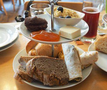 Frühstück in der Hollerei in Wien