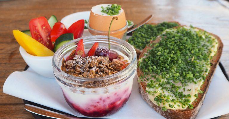 Frühstück in der Schneiderei in Leithaprodersdorf