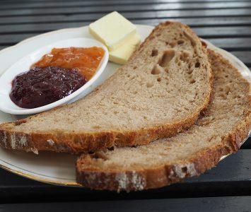 Frühstück bei Pöhl & Mayr am Kutschkermarkt in Wien