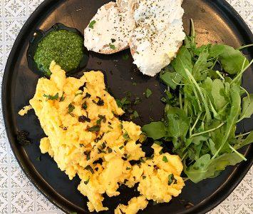 Frühstück im Bakaliko in Graz