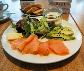 Frühstück im Midi Café & Bistrot in Wien