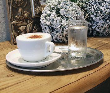 Frühstück im Café Heinzl in Friedburg