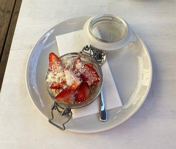 Frühstück im Zimmerservice in Wien