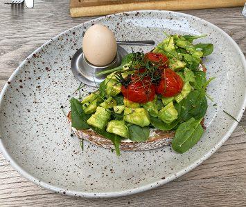 Frühstück im Mani im Vierten in Wien