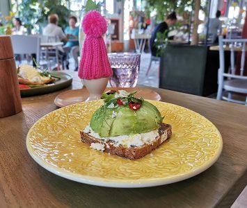 Frühstück im Ponykarussell in Wien